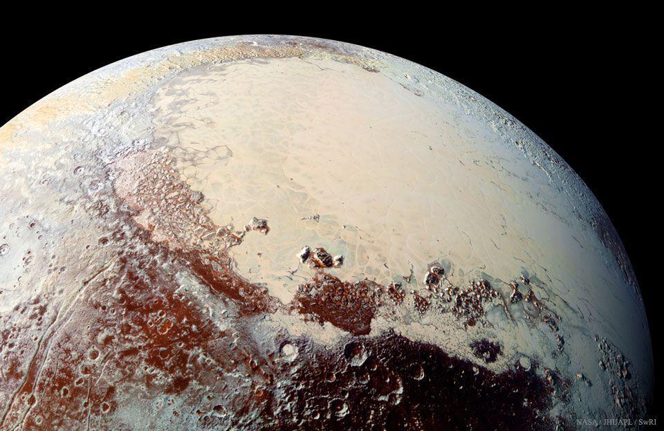 """La extensión """"Sputnik Planum"""", en Plutón, podría albergar un océano subterráneo"""